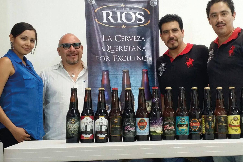 Equipo de trabajo RIOS, mostrando diversos productos